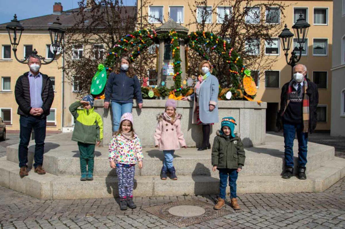 Osterbrunnen am Schloßplatz